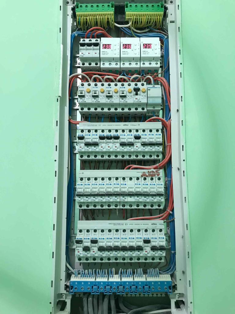 Монтаж электропроводки и освещения - особенности
