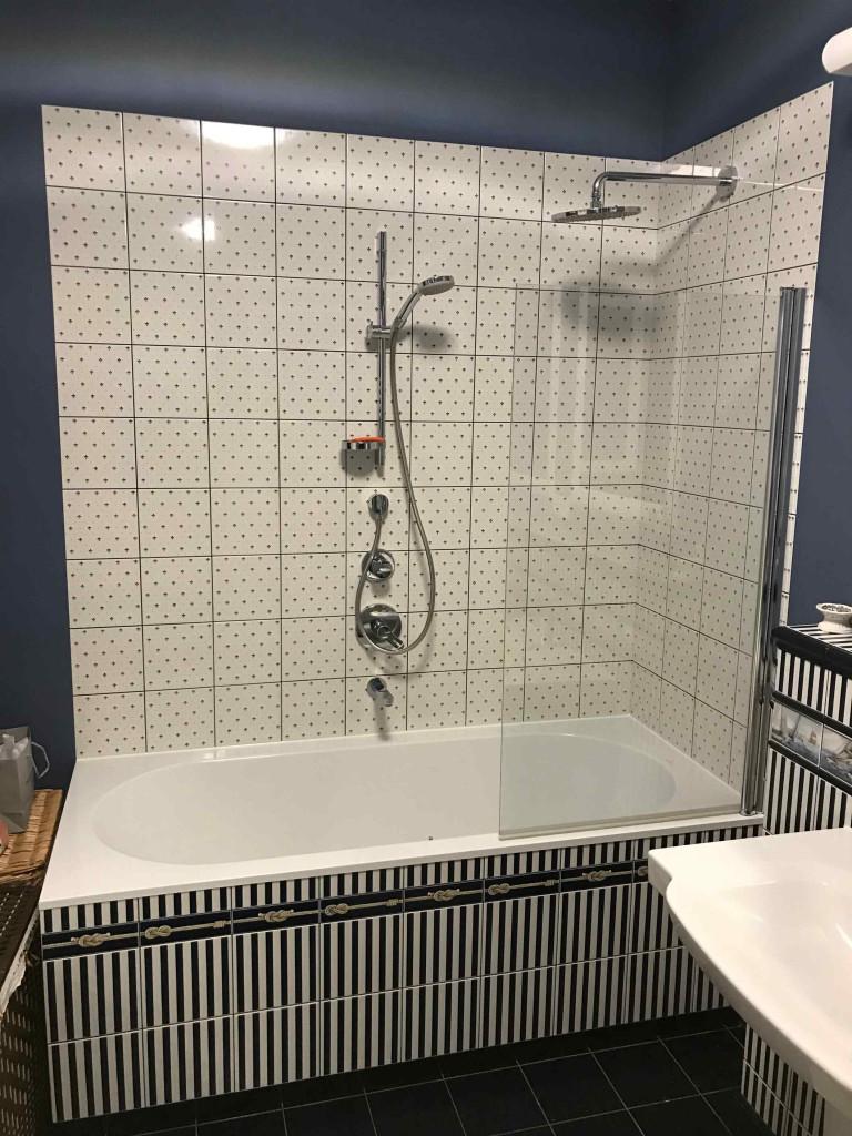 Установка акриловой ванны цена и этапы работ