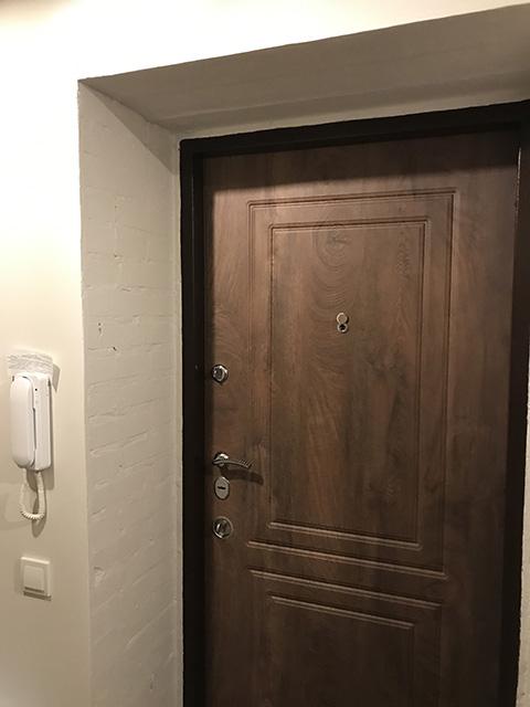 Установка металлических дверей - задача для профессионалов