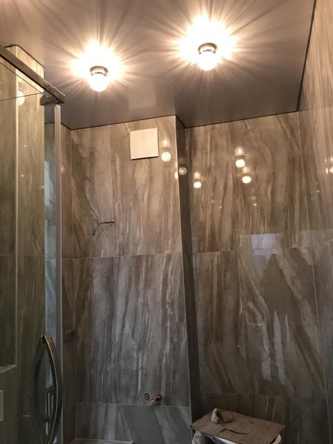 мраморная плитка для ванной - монтаж